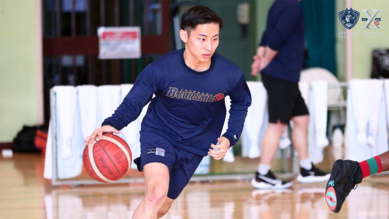 Basketball Star Yuki Kawamura Walks Together with Rakuten